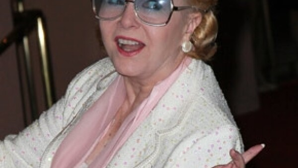 Luego de más de 60 años de trayectoria artística, la actriz y cantante fue hospitalizada de urgencia debido a una mala reacción a los medicamentos.