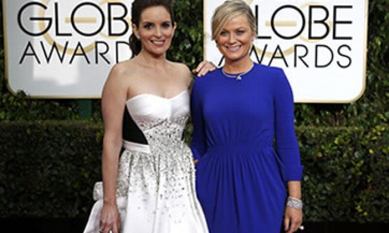 Las anfitrionas Tina Fey y Amy Poehler cautivaron a los tuiteros de todo el mundo. (Foto: Reuters )