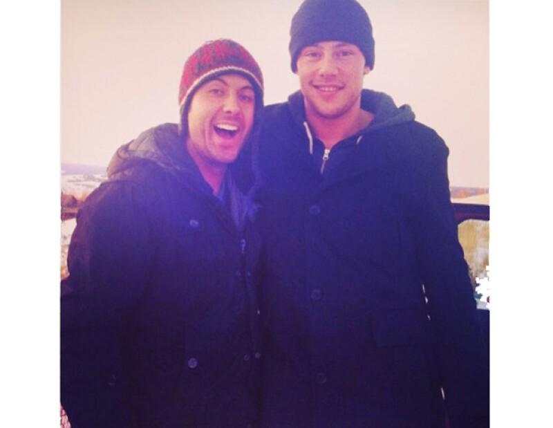 Su amigo Brook con Cory.