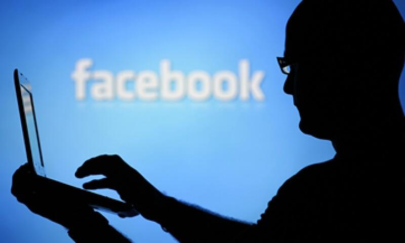 La política de uso de datos de Facebook permite el análisis de la información de los usuarios. (Foto: Reuters)
