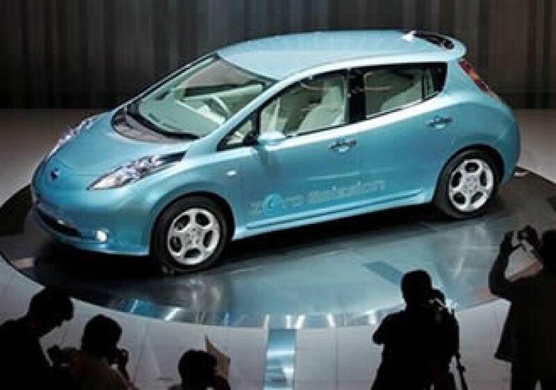 El nuevo vehículo eléctrico de Nissan, Leaf, rendirá hasta 144 km. (Foto: AP)