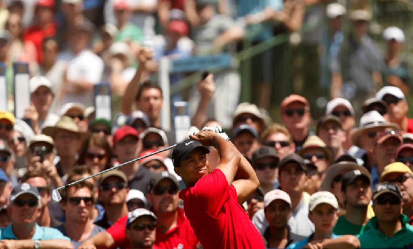 El golfista número uno del mundo resultó herido en un accidente de tránsito la madrugada del viernes cerca de su casa en Florida, tras lo cual surgieron rumores sobre las causas, entre ellos uno que implica a su esposa Elin Nordegren, de quien, según TMZ,