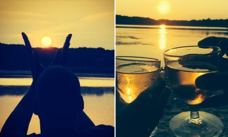 Disfrutaron románticamente de la puesta de sol.
