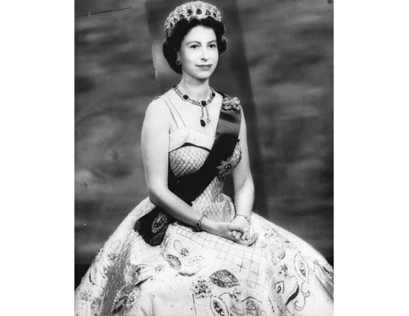En pleno Jubileo de Diamante te decimos cómo es que la Soberana de Inglaterra se ha hecho de la fama de ser una gobernante de armas tomar.