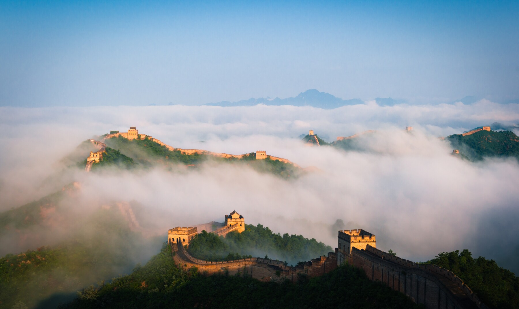 The Jingshanling Great Wall in the Seas of clouds