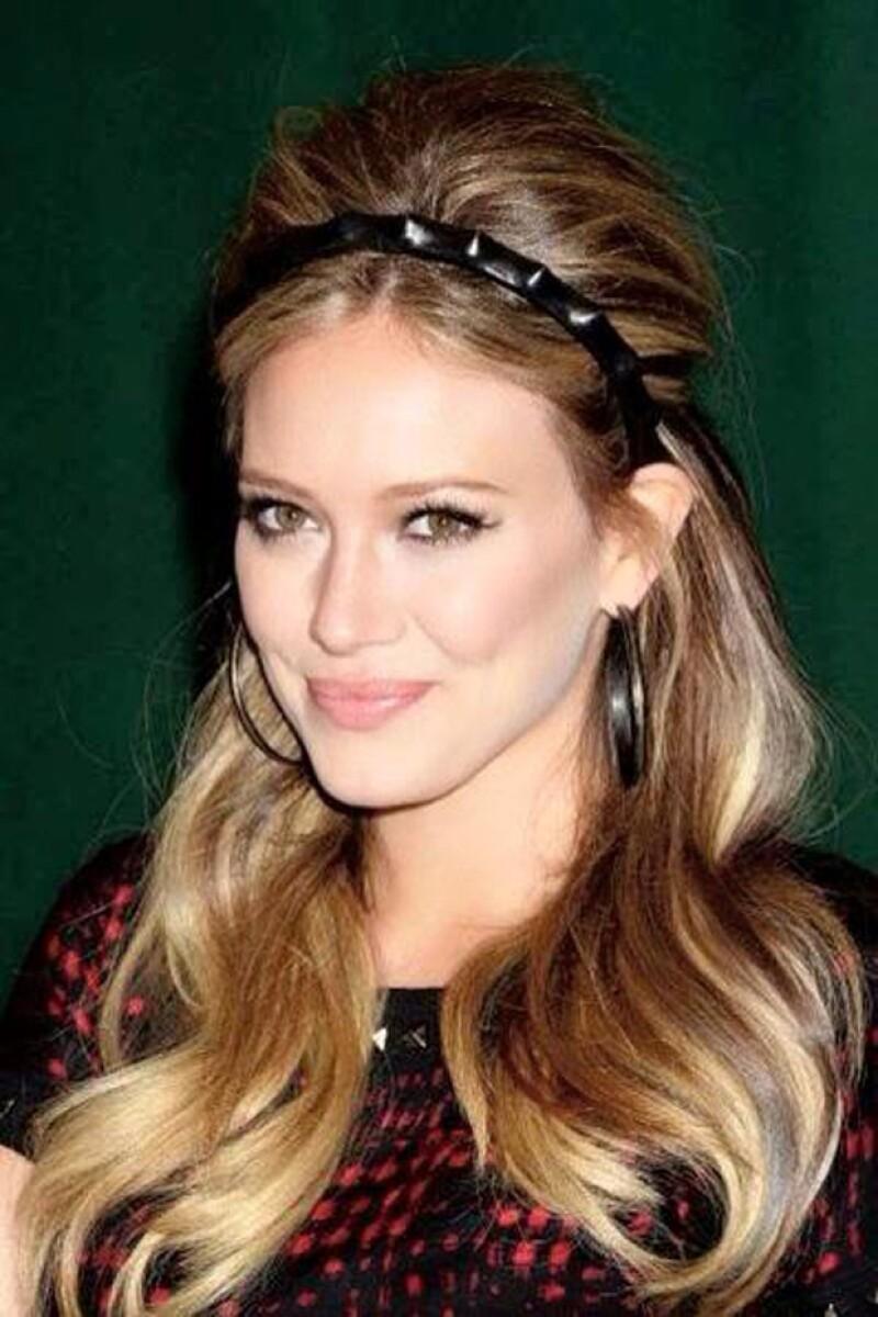 Hilary Duff es otro de los personajes que visita con frecuencia el salón, ¡nos encanta su estilo!