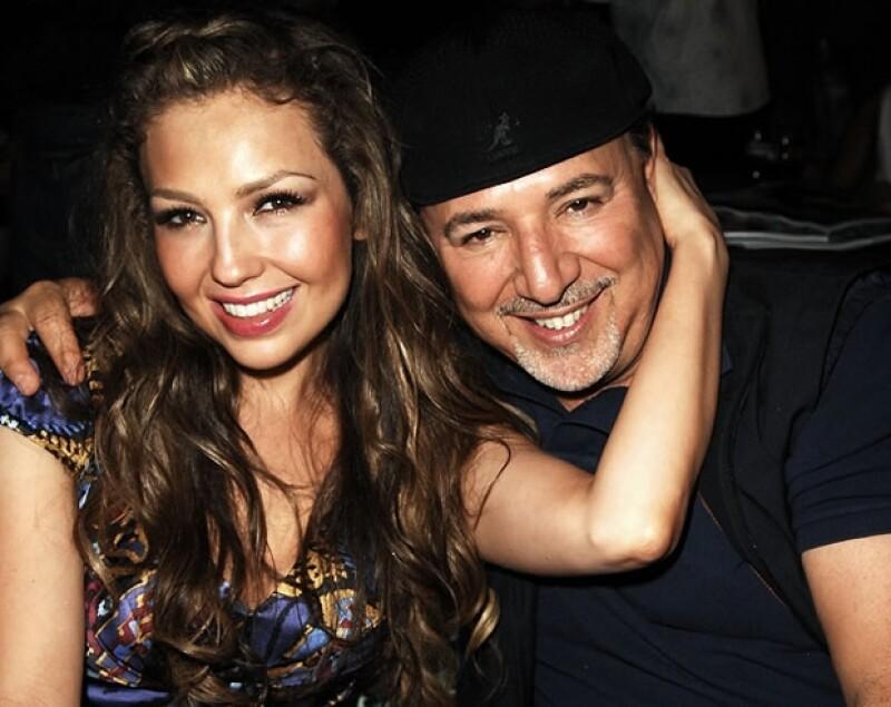 La cantante mexicana, en entrevista con el periódico Reforma, dijo que si por ella fuera lo tendría ya. Este lunes celebrará Navidad con Tommy Mottola, Sabrina y Matthew Alejandro.