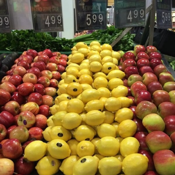 En Australia también encontramos limones más baratos que en México. Un kilo de limones amarillos en la ciudad de Adelaida cuestan 5.99 dólares australianos, unos 72 pesos mexicanos