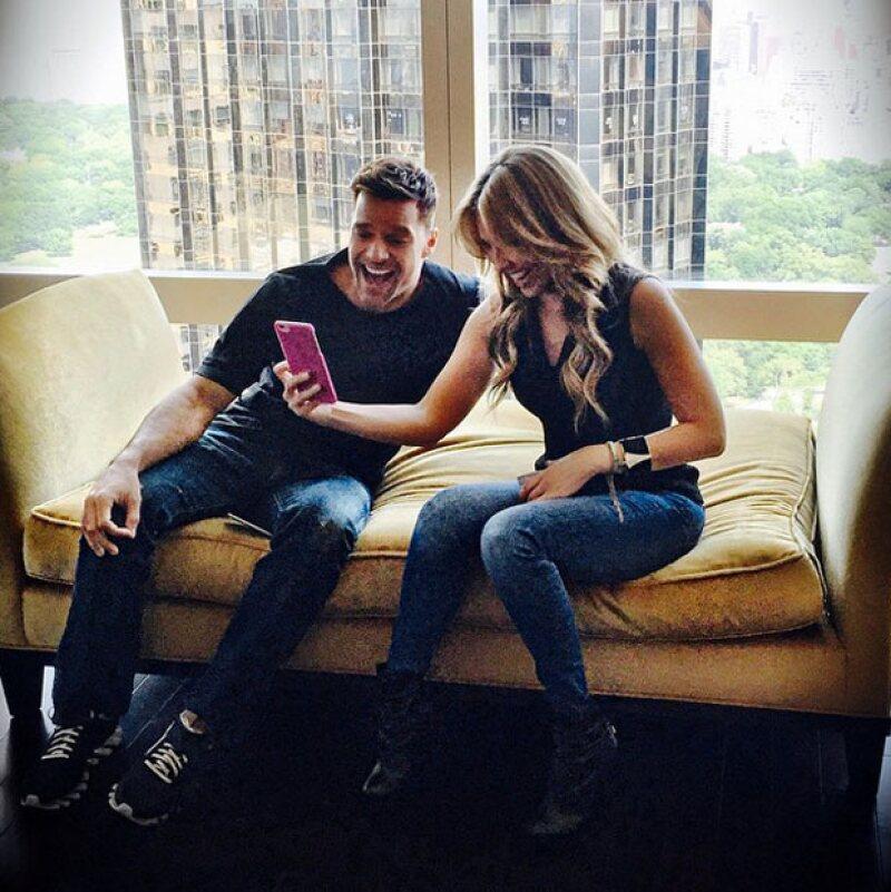 A juzgar, no nos cabe la menor duda de que Thalía y Ricky Martin se divirtieron juntos.