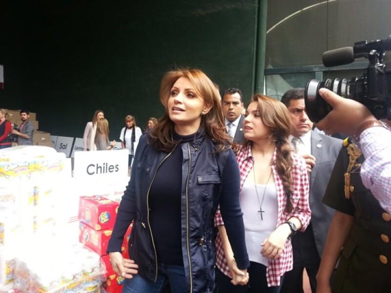 Angélica Rivera llegó acompañada de su hija Sofía Castro.
