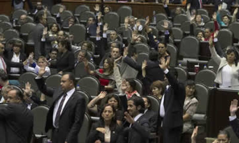 Quedan pendientes por dictaminar la ley del ISR, la del IVA, la Ley Federal de Derechos, pensiones y el Seguro de Desempleo. (Foto: Notimex)