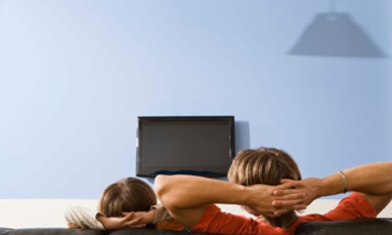 En el negocio de televisión abierta, las ventas de Televisa se incrementaron 2.4%. (Foto: Thinkstock)
