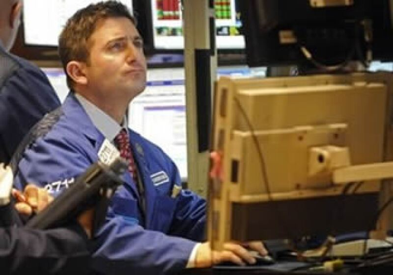 Expertos estiman que los mercados accionarios mostrarán una mejoría conforme avanza la recuperación estadounidense.  (Foto: AP)