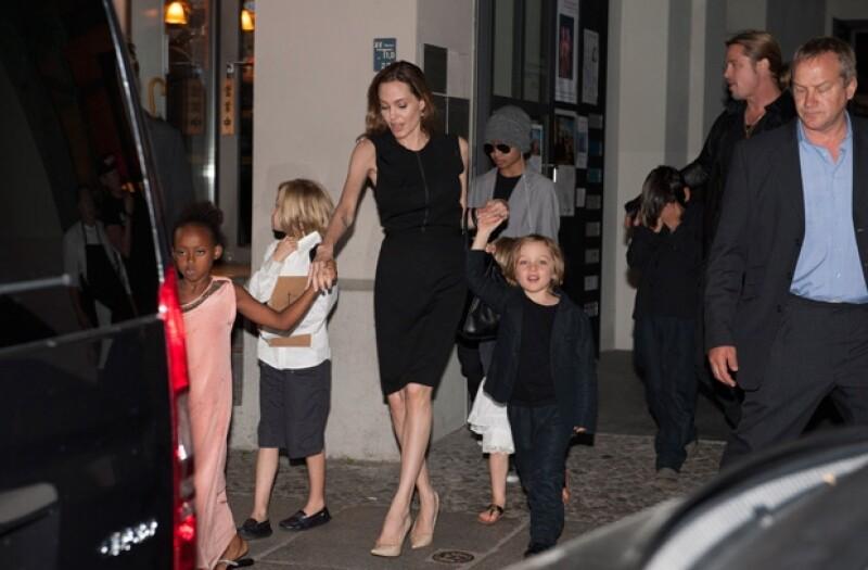 Tenía mucho tiempo que no veíamos al clan junto, pero qué mejor fecha que el cumple de Jolie para juntar a la familia, esto pasó en Berlín.