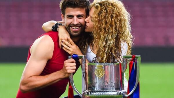 A unos meses de dar a luz la cantante no puede lucir más bella y radiante, para apoyar a Gerard Piqué en la final del Barcelona contra el Athetic de Bilbao en Camp Nou.