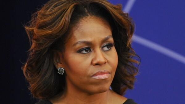 Michelle Obama cambió de look, ahora luce rayitos.
