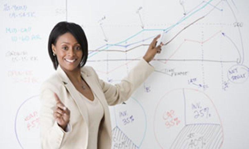 Los participantes podrán simular situaciones reales de negocios y hacer presentaciones en inglés. (Foto: Getty Images)
