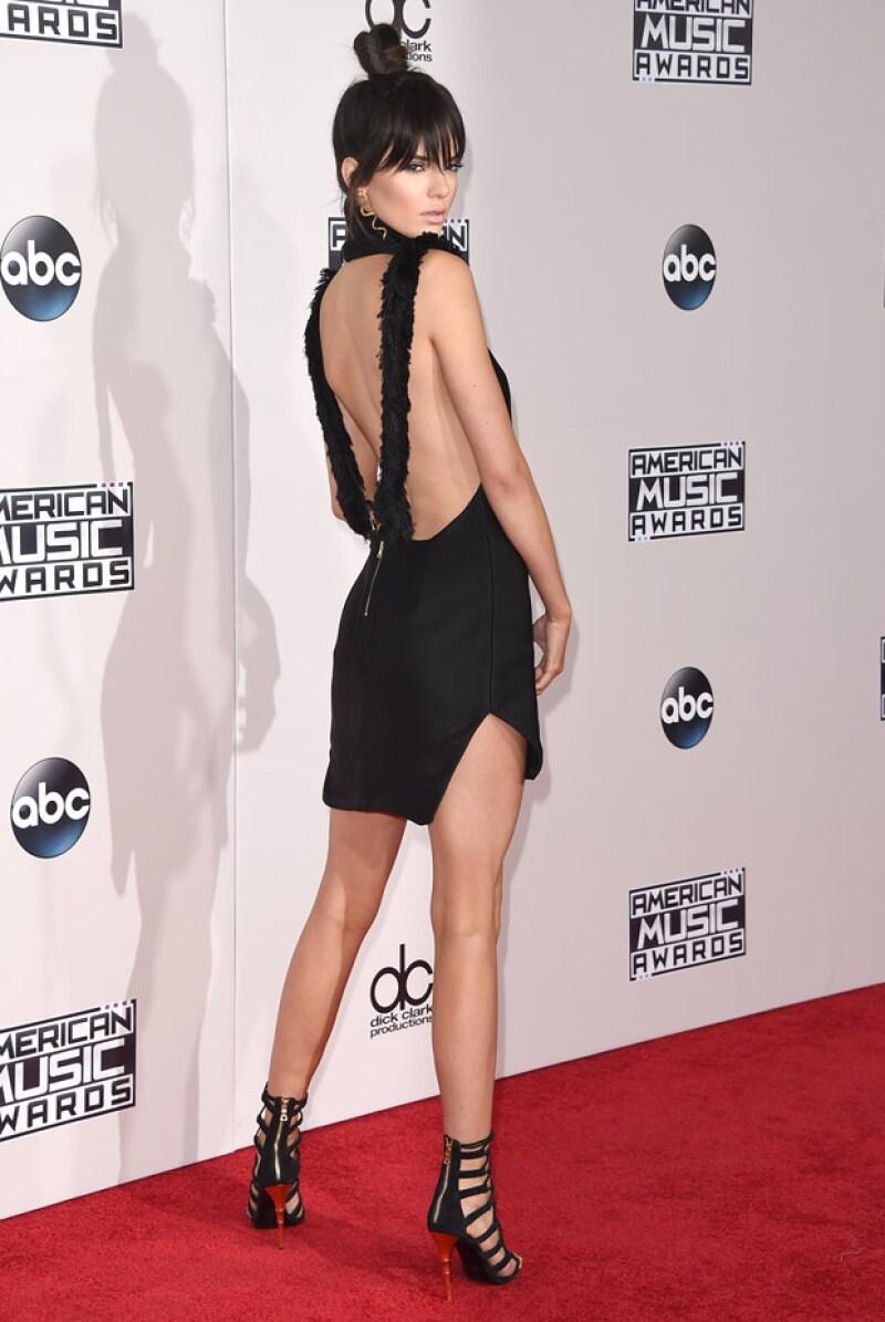 Kendall Jenner, súper hot en los American Music Awards.