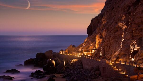 Cenamos junto a las olas en The Resort at Pedregal.
