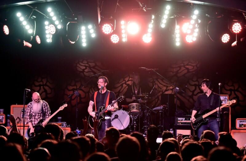 El grupo Eagles Of Death Metal aún no logra asimilar lo ocurrido el viernes 13 de noviembre, sin embargo los han mandado mensajes para los familiares de las víctimas, incluyendo miembros de su staff.