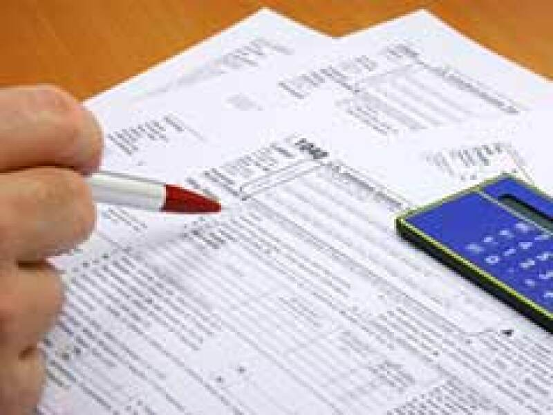 El SAT inicia su tercera emisión de devolución de saldos a favor del ISR (Foto: Archivo)