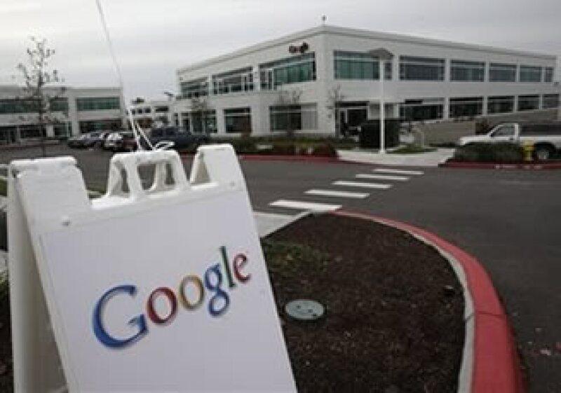 La empresa tecnológica planea escanear millones de ediciones para venderlas por medio de la red. (Foto: AP)