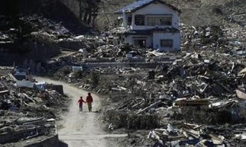Japón apoyará con  9,700 millones de dólares a las empresas dañadas por el tsunami y el terremoto. (Foto: Reuters)