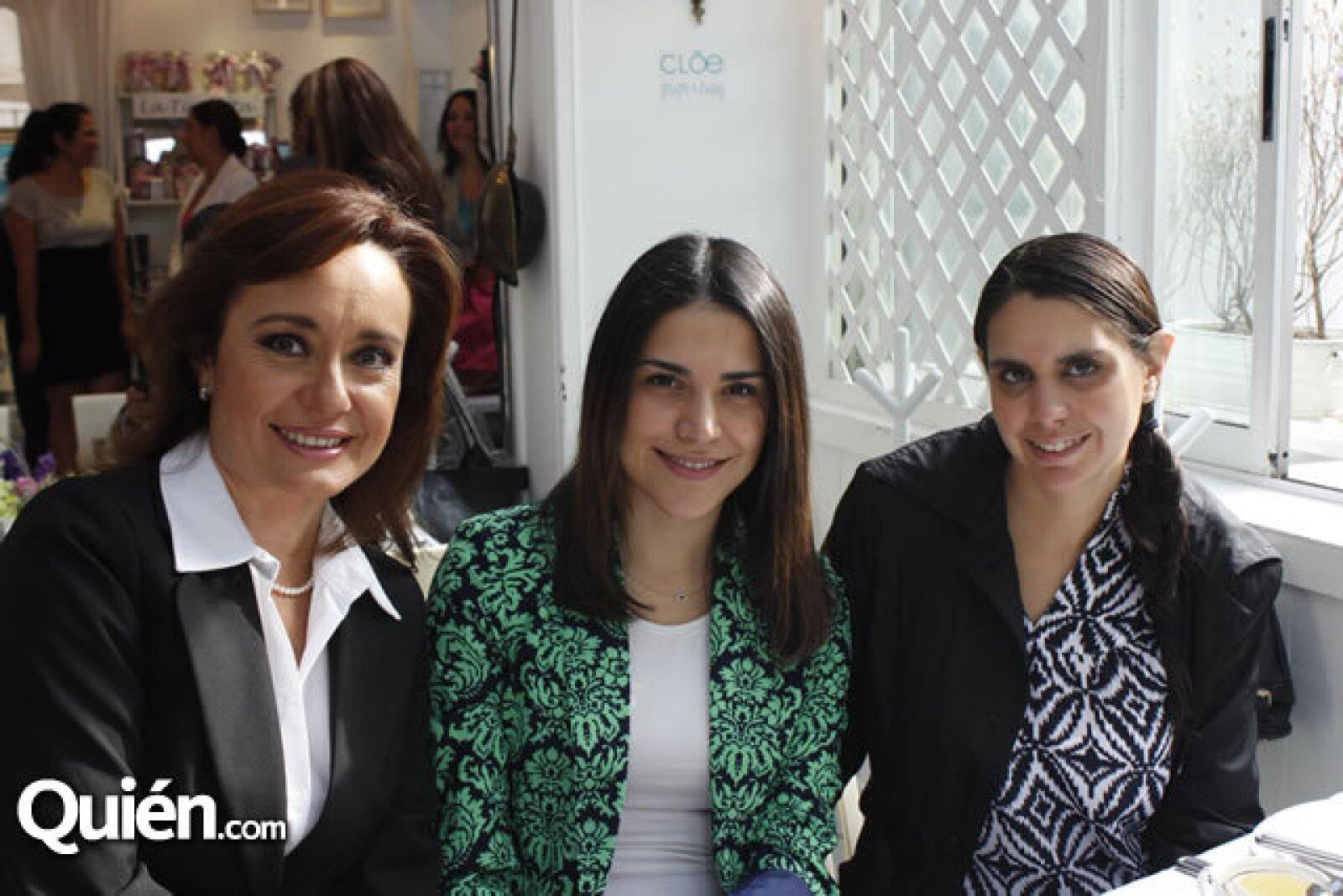 Sandra Flores,Regina Mejía,Daniela Ortiz