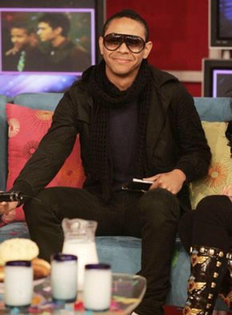 El cantante fue el encargado de la filmación de su nuevo video 'Se te olvidó'.