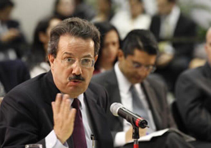 El titular de la SCT, Juan Molinar, dijo que acudirán a los tribunales para presentar sus argumentaciones en tiempo y forma, ante la suspensión de la licitación.  (Foto: Notimex)