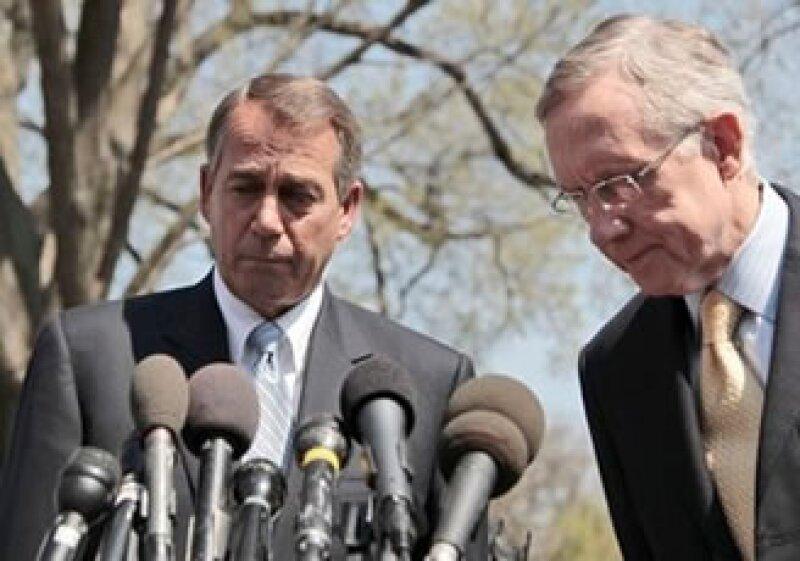 El republicano John Boehner y el demócrata Harry Reid señalaron que aunque se han acercado posiciones todavía no se alcanza un acuerdo. (Foto: AP)