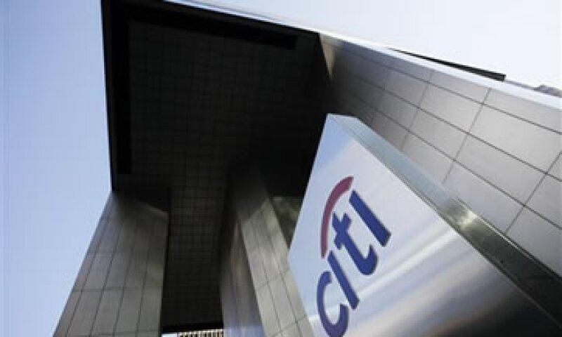 Fuentes de la industria dijeron que Citi también busca incrementar sus transacciones comerciales en materias primas en dólares. (Foto: AP)