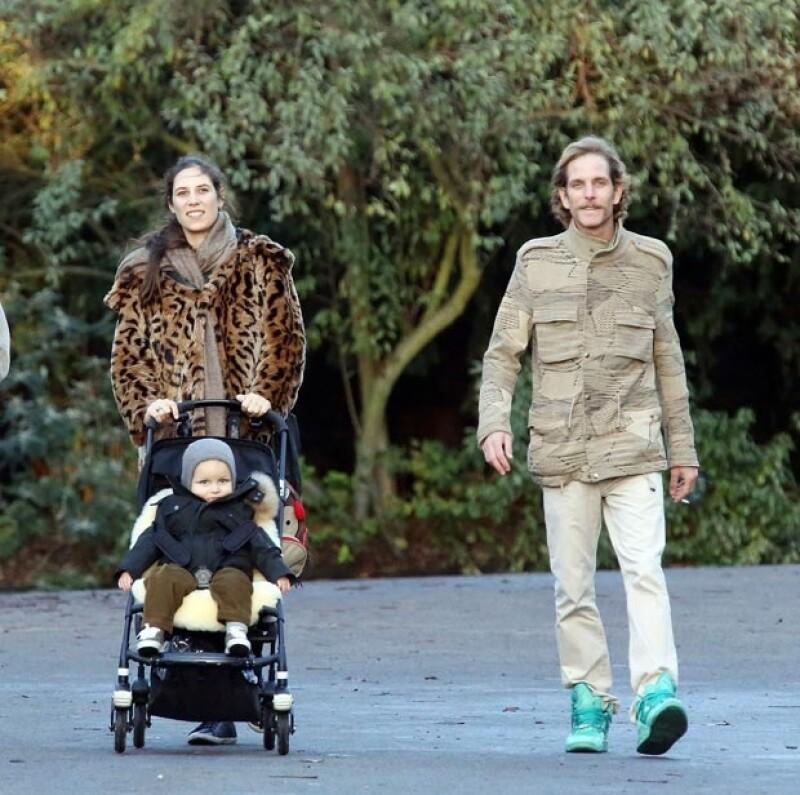 Tras los rumores sobre su segundo embarazo, la familia real pasea por el parque y disfrutan de la compañía de algunos amigos con sus respectivos bebés.
