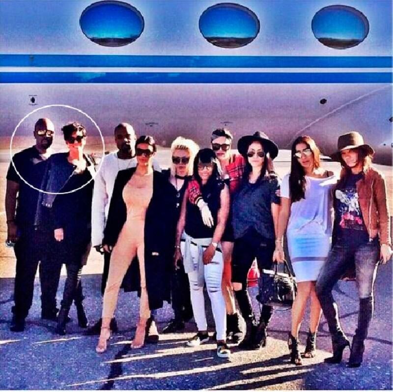 El mánager asisitió a la celebración de cumpleaños de Kim acompañando a Kris Jenner.