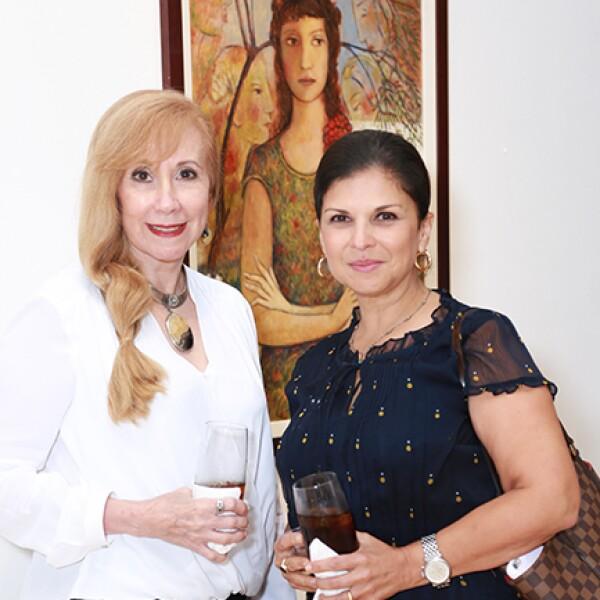 Yolanda de la Garza y Claudia Luteroth