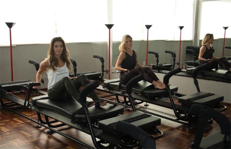 Vanessa Piña y Emilce Carrillo haciendo el método Lagree