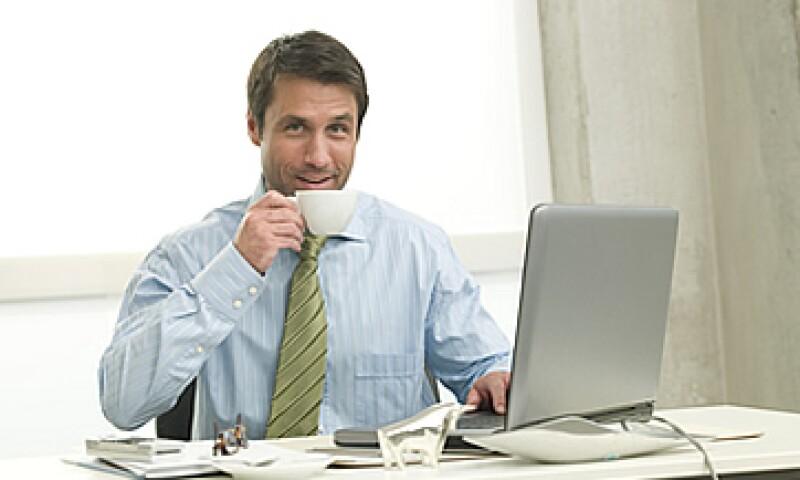 La gente madrugadora tiene una ventaja profesional sobre aquellos que se desvelan, según la Harvard Business Review. (Foto: Photos to Go)