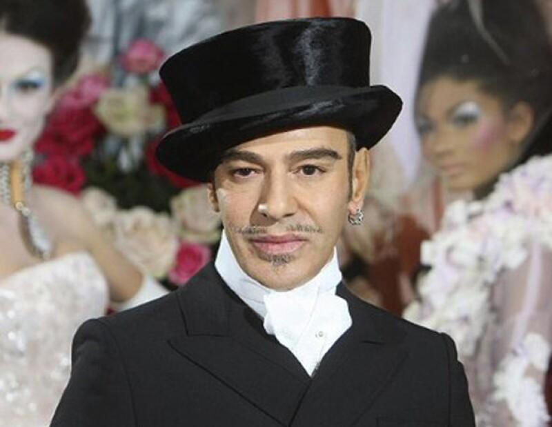 El diseñador está pidiendo 15 millones de euros -casi 250 millones de pesos- a la casa de modas; el juicio está previsto para febrero de 2013 en París.