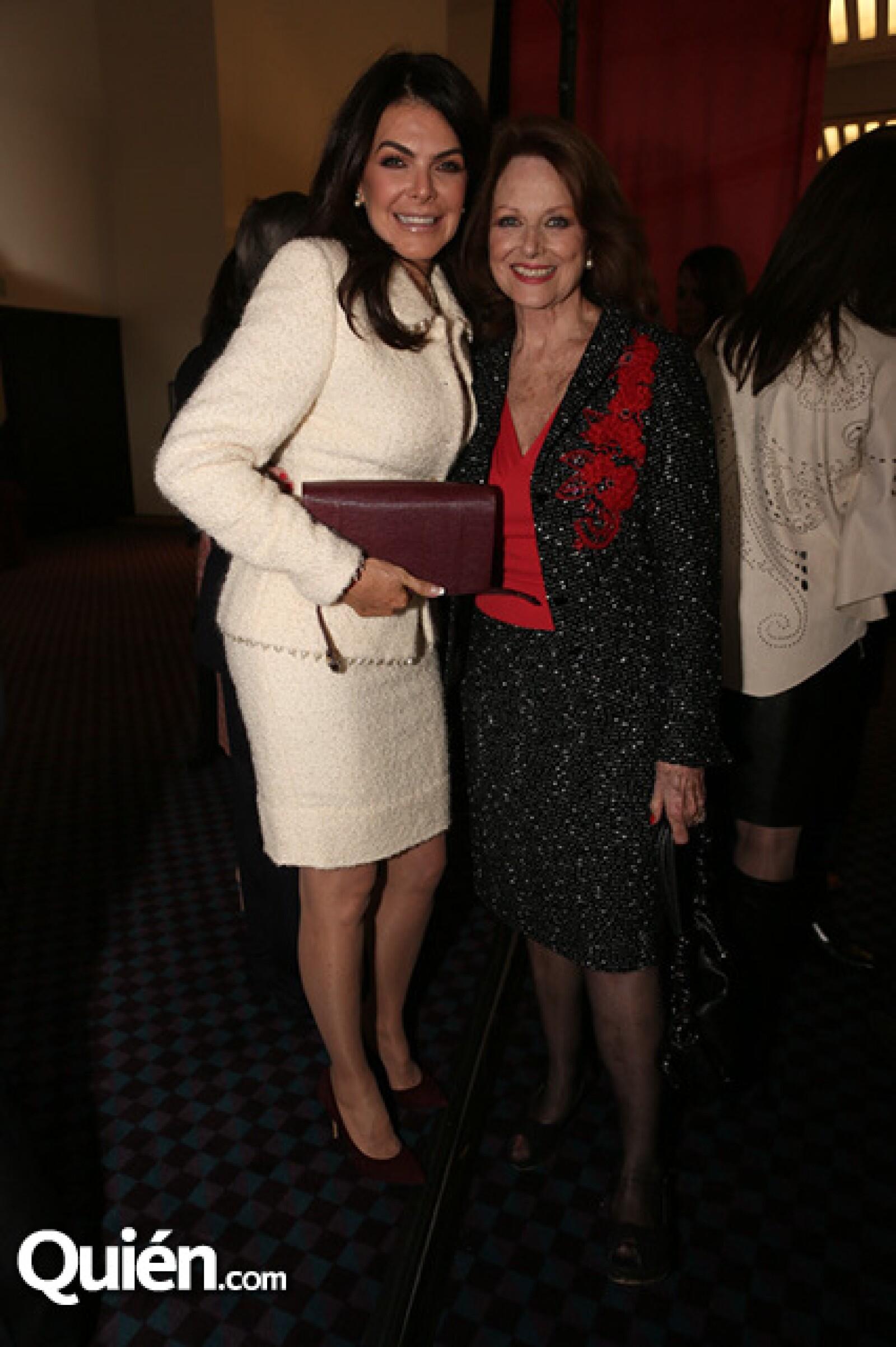 Siempre elegante y ad hoc para cualquier evento que asiste, Mariana Tort en la celebración de los 105 años de la Cruz Roja Mexicana.