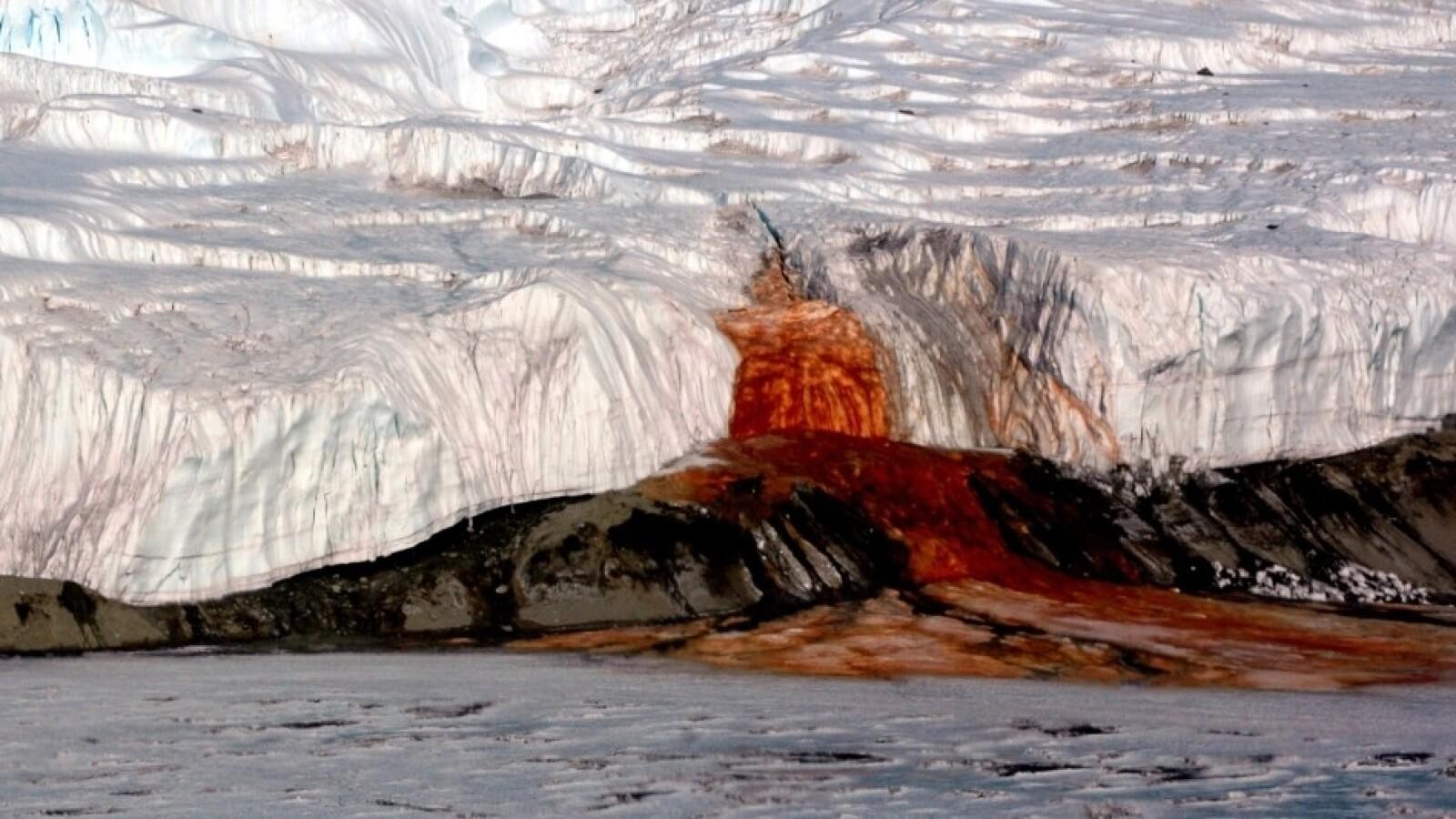 Cataratas de Sangre Glaciar Taylor Antártida