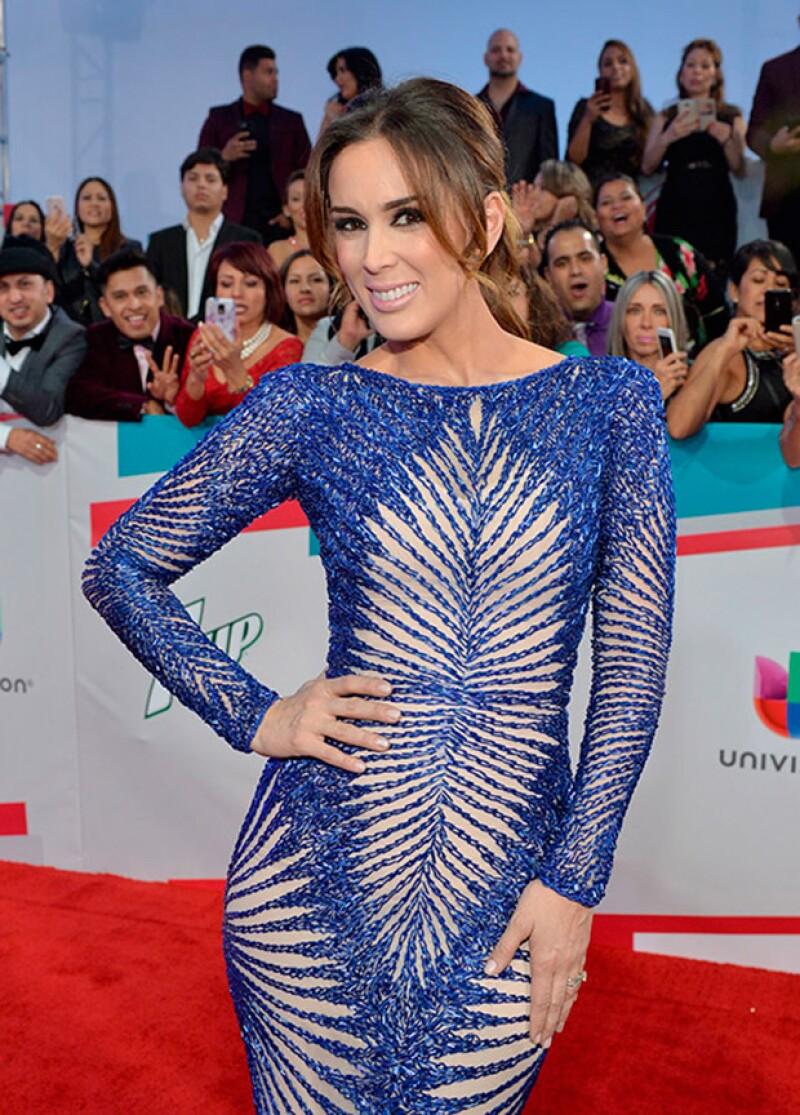 Jacky triunfó con su estilo la noche de ayer en la entrega del Grammy Latino.