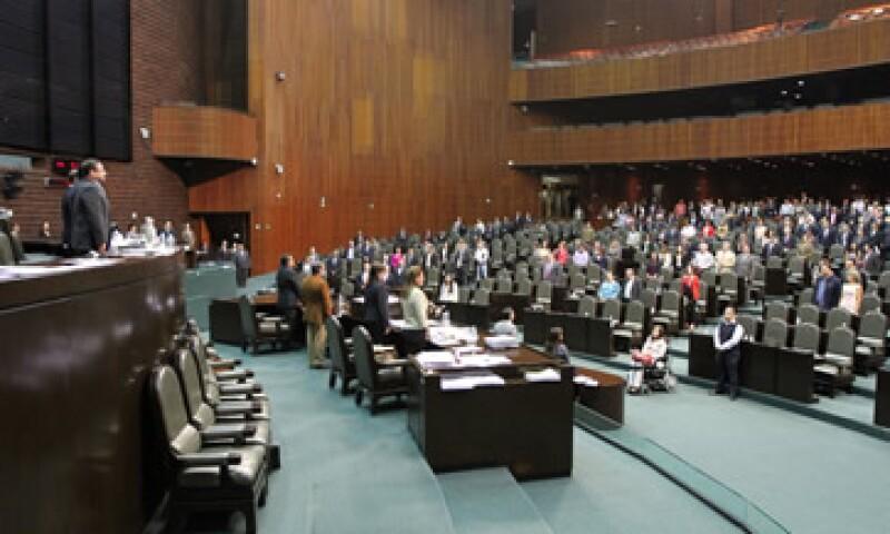 El proyecto aprobado regresará a manos del presidente Felipe Calderón para que lo publique en el Diario Oficial. (Foto: Notimex)