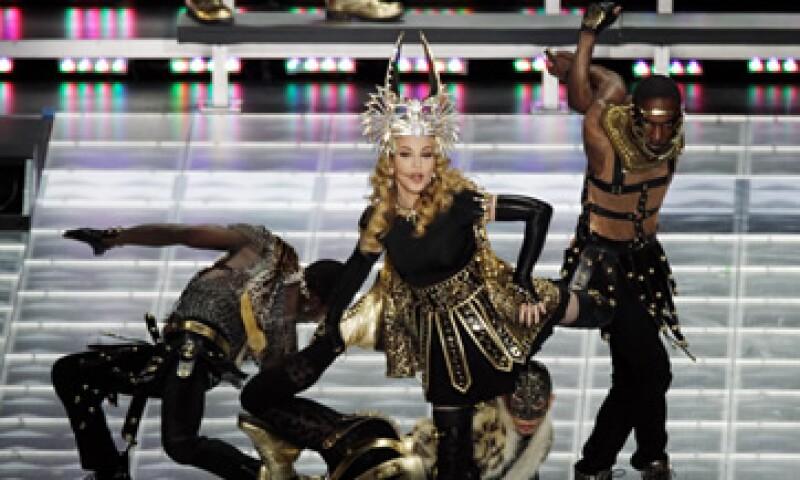 Todos los cambios de vestuario de Madonna se llevaron a cabo sobre el escenario. (Foto: AP)