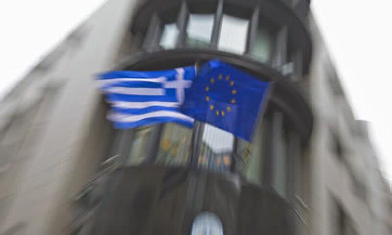 Atenas tiene el dinero para pagar los salarios mensuales y las pensiones esta semana. (Foto: Reuters )