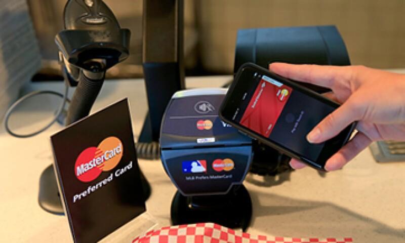 El banco aseguró que están a la espera de que Apple libere su servicio de pagos móviles en México para incorporarlo a su oferta. (Foto: Getty Images)