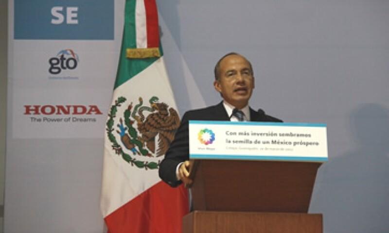 Felipe Calderón dijo que México ha recibido 12,000 mdd de inversión extranjera en el sector automotriz.  (Foto: De Honda)