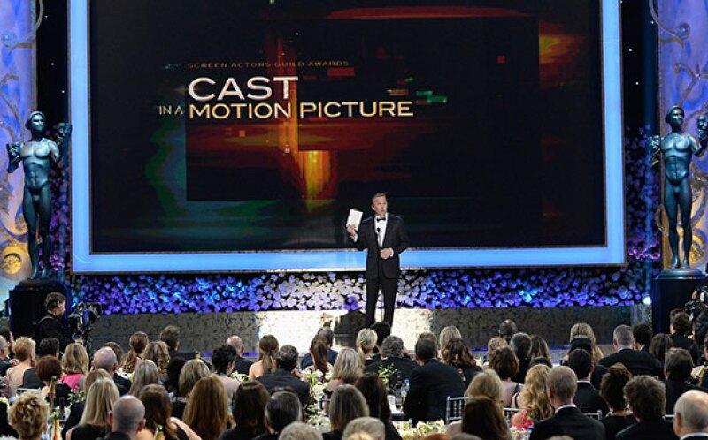 El actor Kevin Costner fue el encargado de entregar el premio.