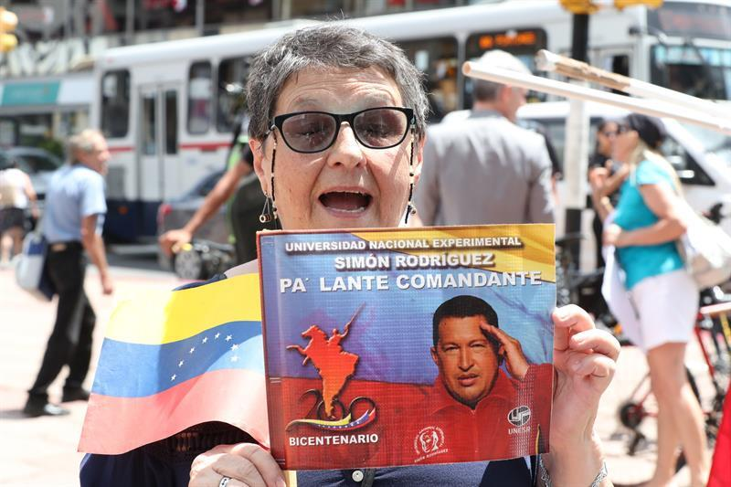 Simpatizantes de Maduro en Uruguay Venezuela