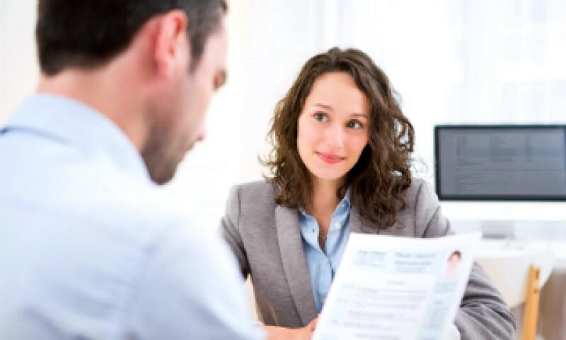 En una buena presentación profesional no se debe preguntar por la carga de trabajo que conlleva el futuro puesto, dicen expertos. (Foto: Shutterstock)