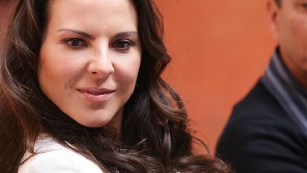 La actriz platicó con un grupo de medios de comunicación para hablar sobre su personaje `Teresa Mendoza´, basada en la historia de Arturo Pérez-Reverte.